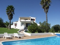 Casa Figueiral - Nr Armacao de Pera, Algarve with Heated Pool