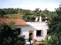 Villa to rent in the Algarve with private pool, peaceful location