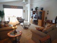 Luxury Florida 4Bed/3Bath Villa with Pool, Spa, Games Room and WiFi hotspot, only 8 miles from Disney
