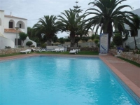 holiday apartment to rent in Armacao de Pera, 600m from the beach and short trip to tourist hotspot of Albufeira.