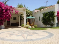 3 bedroom luxury villa, with large mature garden & private pool, near the beach