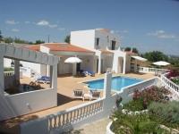 Villa Casa das Vinhas nr Armacao de Pera, Central Algarve -Sleeps 8 Heated Pool