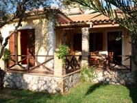Traditionally styled villas on Zakynthos, 100m from the sea.