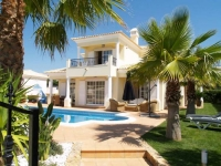Villa in Varandas do Lago, private pool, south facing,quiete cul de sac