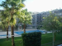 Apartment in Barcelona center with pool. Near the beach