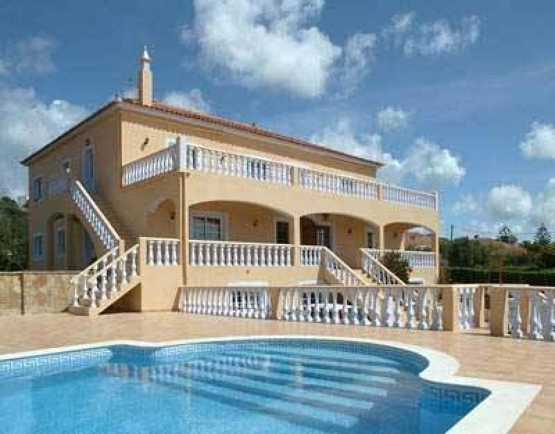 Imposing Fully Air Conditioned Luxury Villa With Coastal
