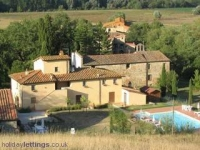 Apartment in XVII centry farm, Central Tuscany,Chianti area,garden and pool.