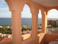 1 Bed holiday apartment with views over the sea £195pw