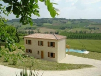 Beautifully furnished Gite near Villeneuve-sur-lot, sleeps 6 with stunning views and superb private pool