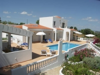 Villa Casa das Vinhas nr Armacao de Pera, Central Algarve -Sleeps 8 Heated Pool
