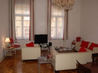 Elegant 112 sqm apartment in representative building, strategic location, wifi
