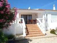 Algarve Carvoeiro villa with private pool and aircon. 800m from beach