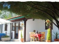 1 Bedroom Adults only Quinta in Central Portugal, private jacuzzi and courtyard